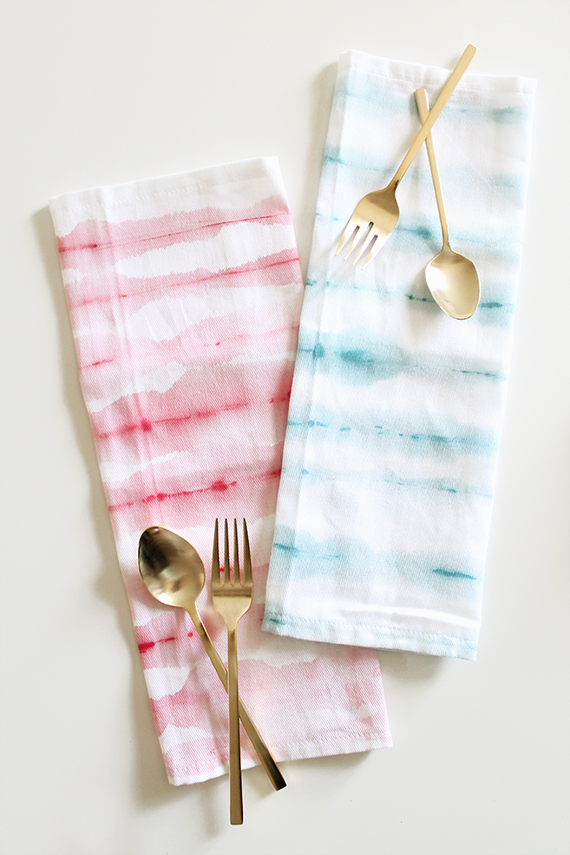 diy watercolor striped napkins | almost makes perfect