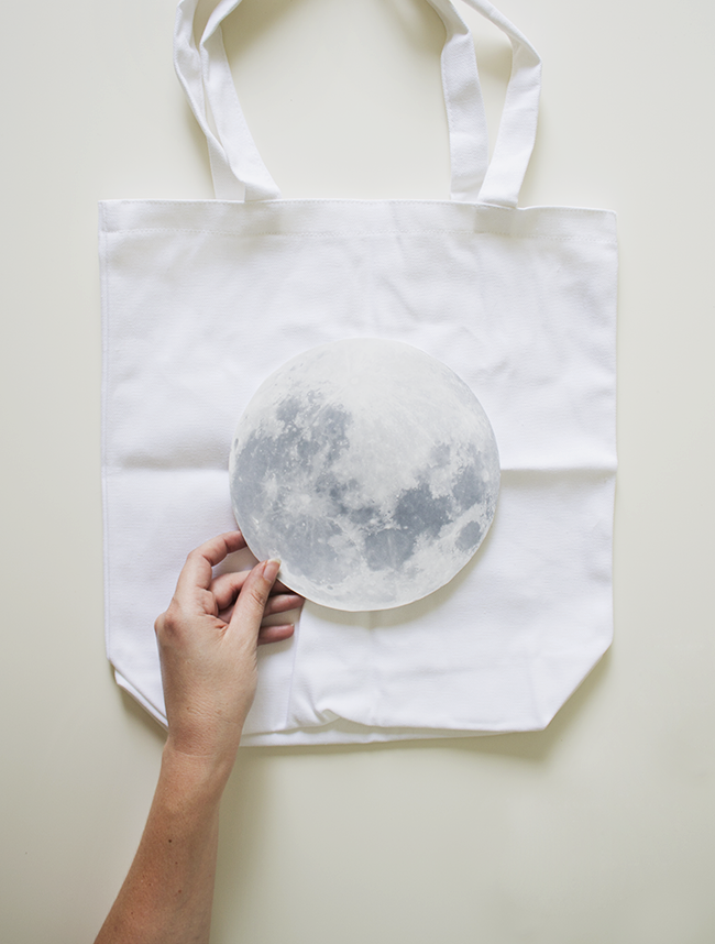 DIY moon tote | almost makes perfect