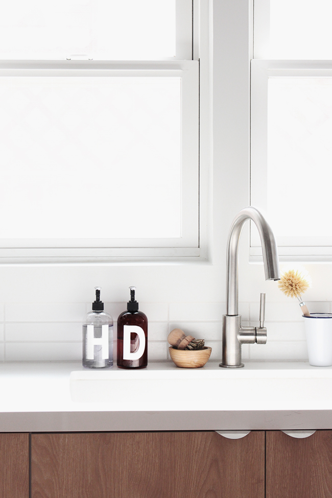 DIY minimal soap bottles   almost makes perfect