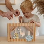 diy shoebox puppet theatre (with free printable puppets)